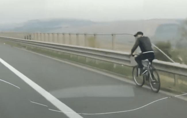 biciclist autostrada