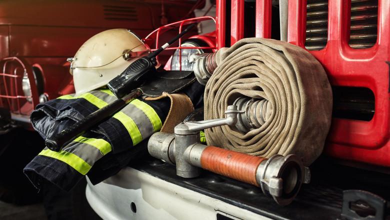 echipament pompieri