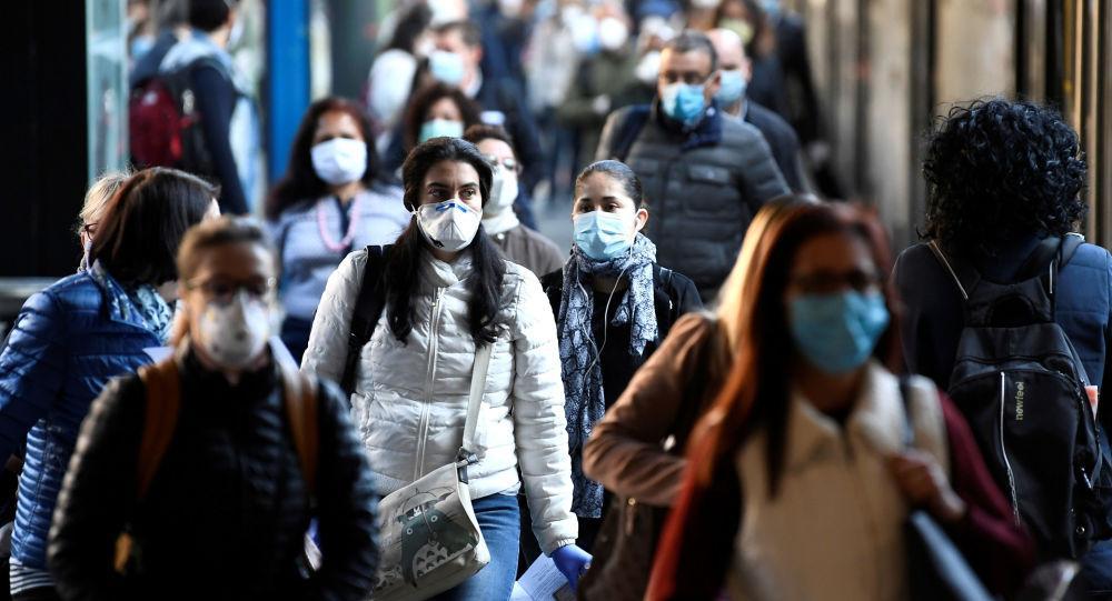 masca pe strada