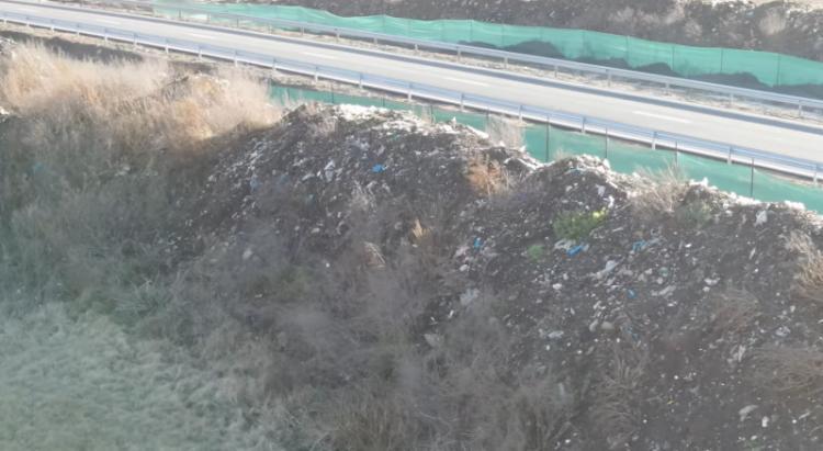 groapa gunoi autostradă