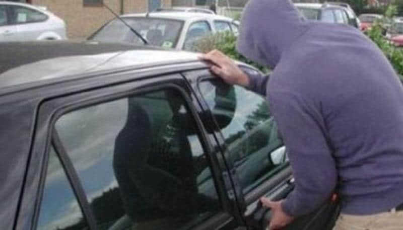 masina furata furt