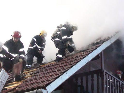 incendiu acoperiș