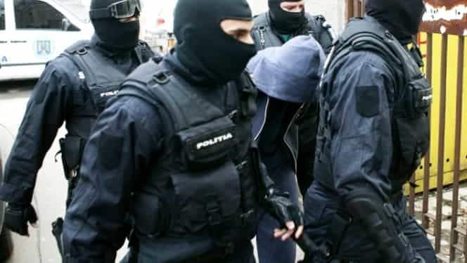 percheziii mascatii diicot au descins la adresele mai multor contrabandisti din
