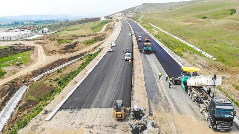 autostrada A10 Sebes Turda lotul 2 asfaltari cu 2 finisoare