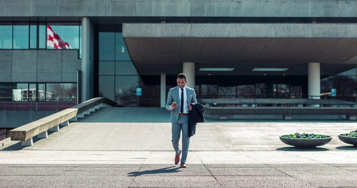 Înapoi la ținuta office - Cum s-a schimbat moda bărbătească după pandemie