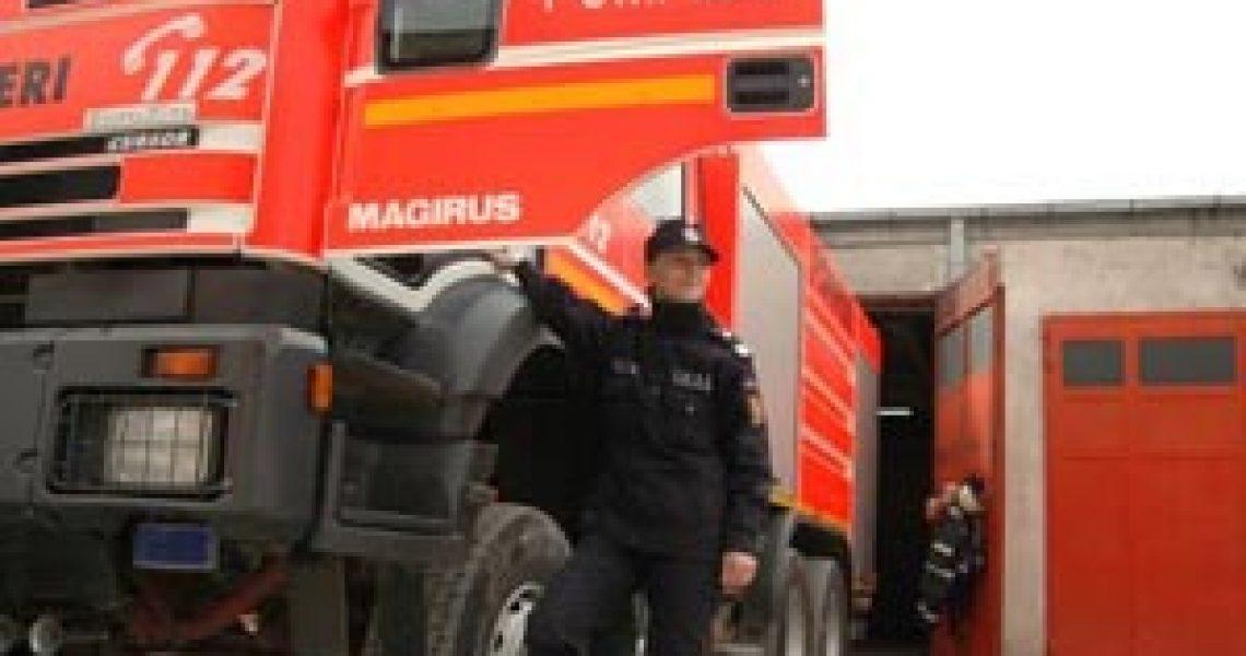 foto_042011_pompieri-autospeciala