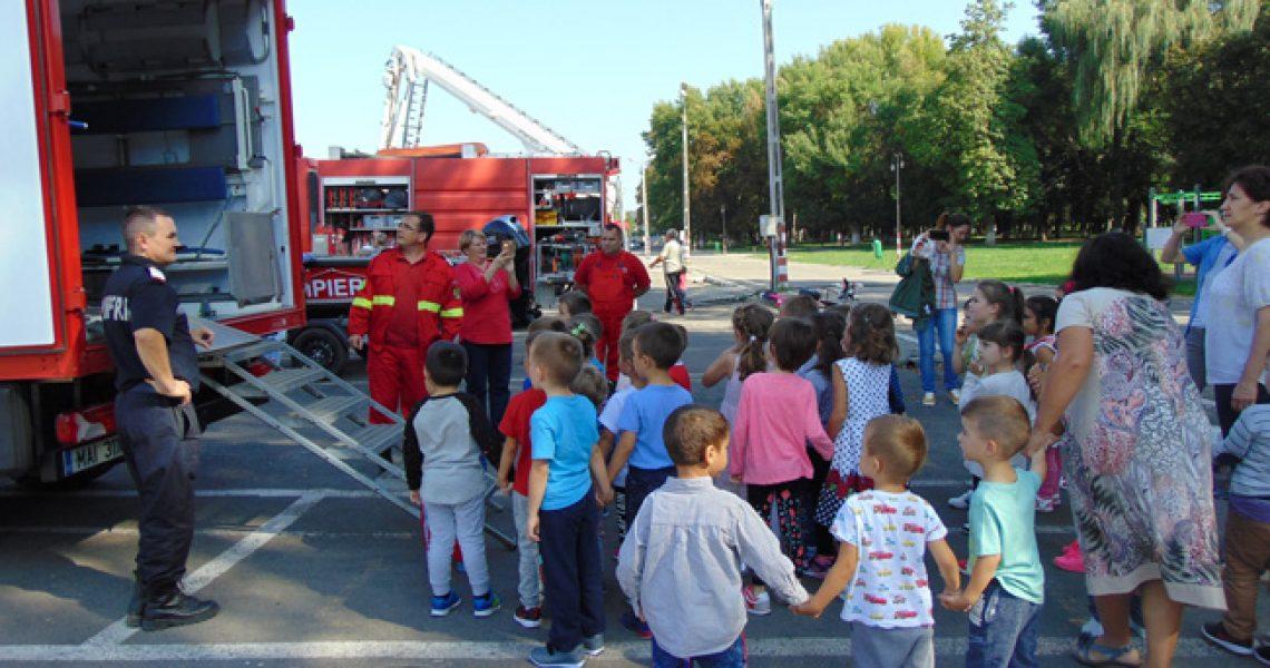 foto_092017_pompieri-copii